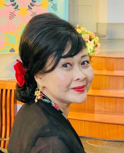 Lillian Tong
